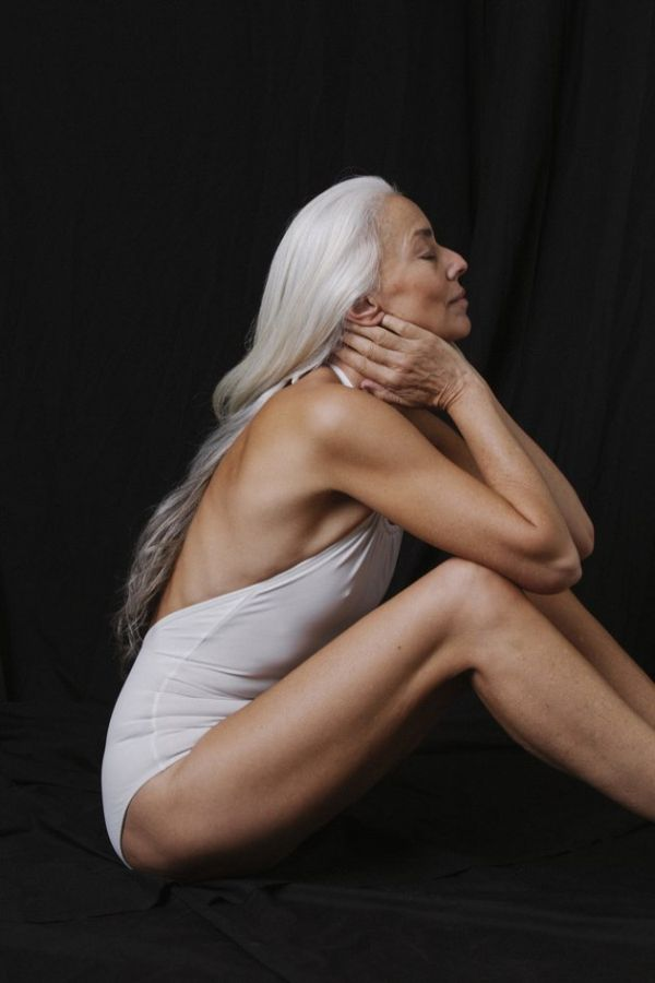 60 Year Old Model Gets People Talking With New Swimsuit Ads (7 pics)