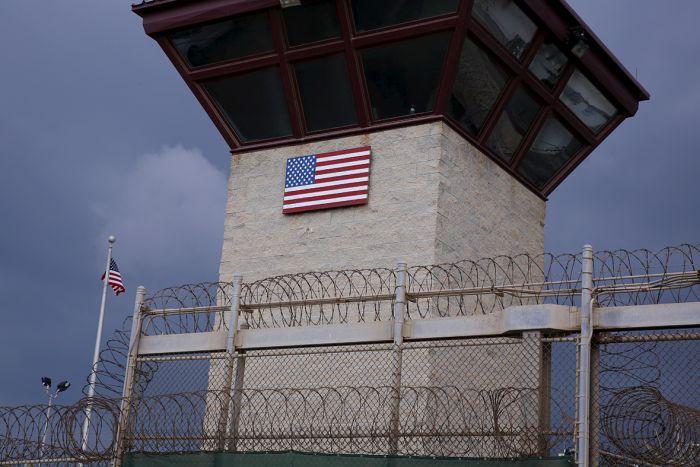 President Obama Continues To Urge Cuba To Close Guantanamo Bay (25 pics)