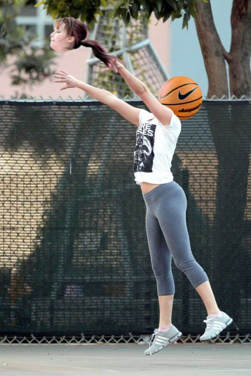 Jennifer Lawrence Gets Caught Up In A Photoshop Battle After An Innocent Basketball Game (18 pics)