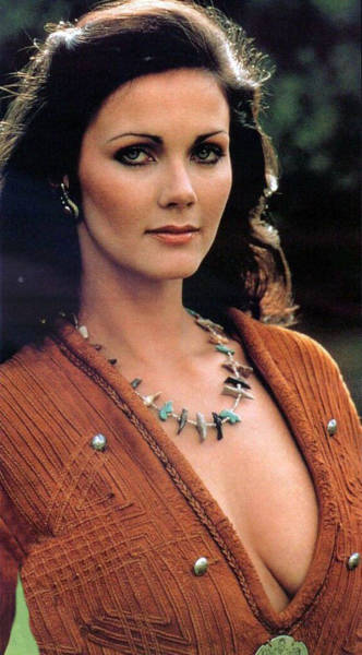 A Tribute To Lynda Carter And Her Iconic Portrayal Of Wonder Woman (21 pics)