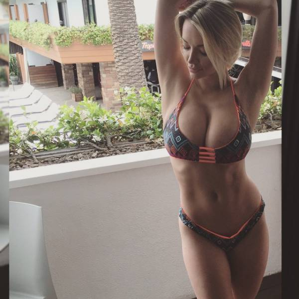 Fitness Model Explains The Advantages And Disadvantages Of Being Busty (45 pics)