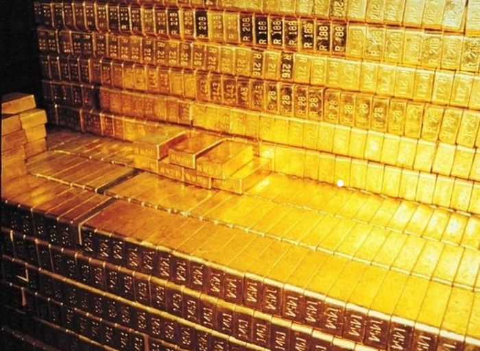 What $300 Billion Looks Like In Gold Bars (5 pics)