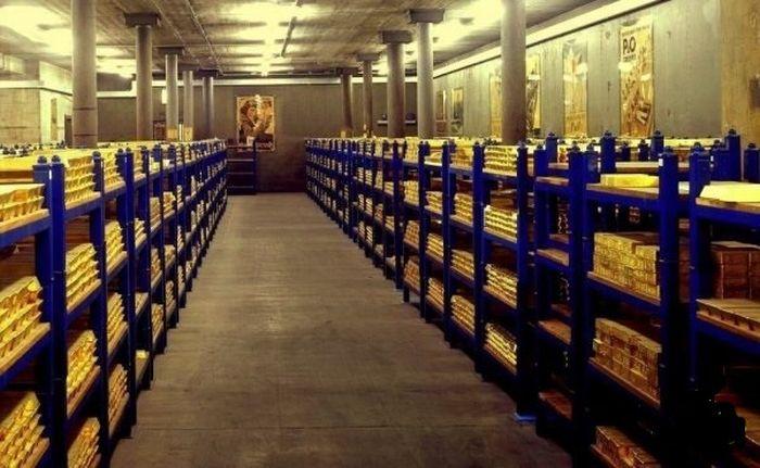 What $300 Billion Looks Like In Gold Bars (5 pics)