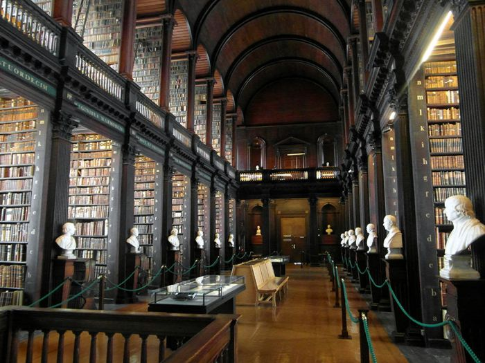 You Won't Believe How Many Books Are in This 300 Year Old Dublin Library (7 pics)