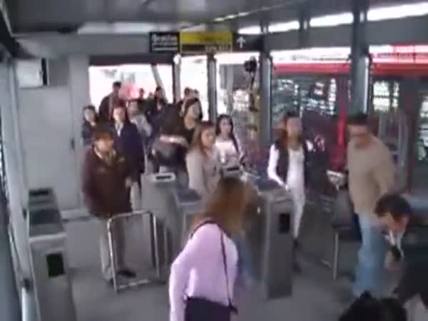 Rude Lady Gets A Dose Of Instant Karma