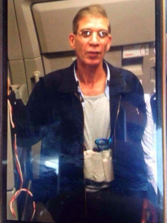 Passenger Snaps A Ridiculous Selfie With Hijacker Wearing A Suicide Vest (2 pics)