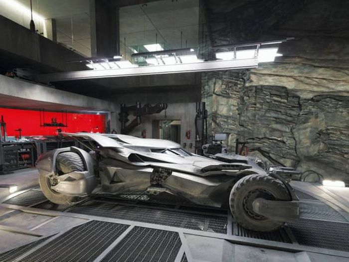 Take A Look Inside Batman's Batcave From Batman V Superman With Google Maps (20 pics)