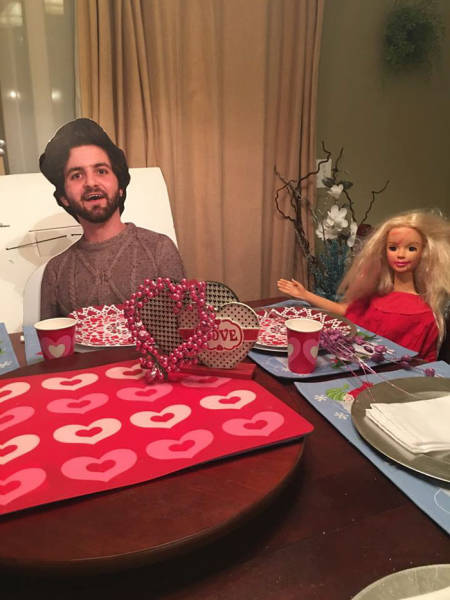 A Son Sent His Mom A Cardboard Cutout Of Himself And She Took It Everywhere (11 pics)