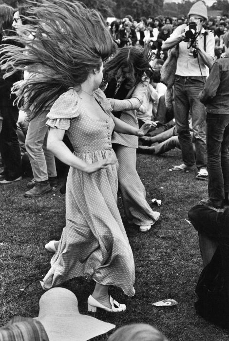 Vintage Photos To Remind You What Fashion Was Like During The Woodstock Era (35 pics)