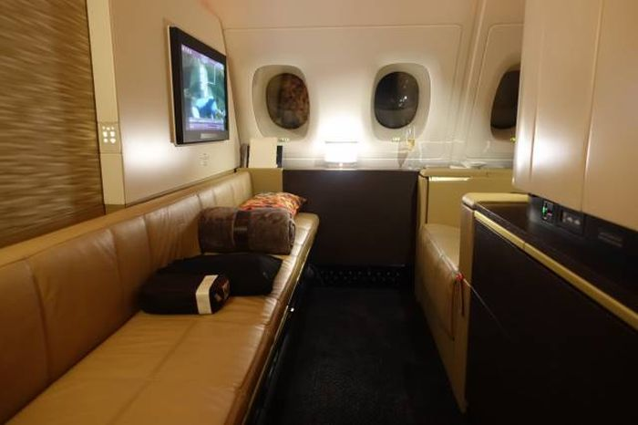 It Costs $23,000 To Fly On This Spectacular Luxury Airplane (41 pics)