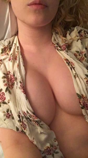 Beautiful Women Who Said Goodbye To Their Bras And Hello To Sexiness (47 pics)