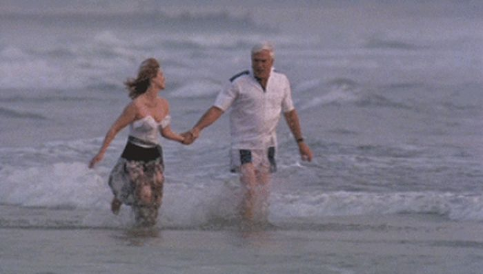 Relive Some Of Leslie Nielsen's Funniest Scenes (17 gifs)