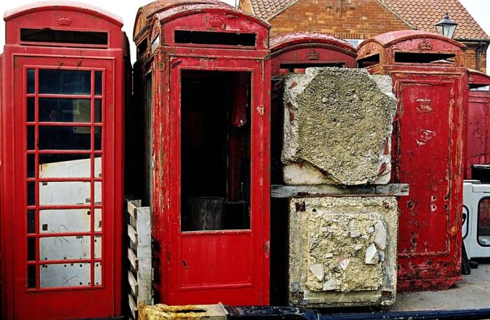 These Graveyards Are Where Old Phone Boxes Go To Die (10 pics)