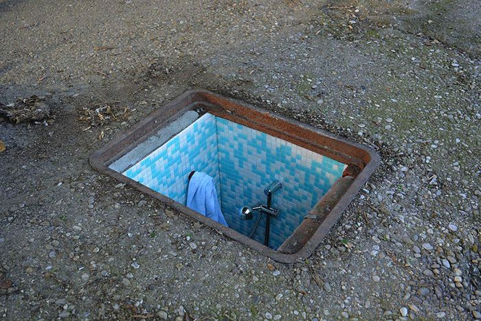 Artist Creates Secret Rooms In Abandoned Manholes In Milan (5 pics)