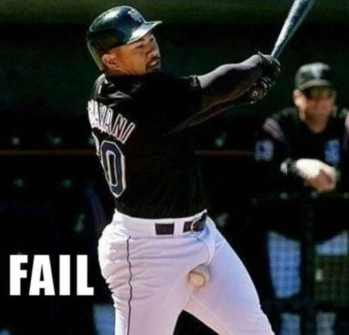 The Most Hilarious Baseball Fails On The Field And Beyond (34 pics)