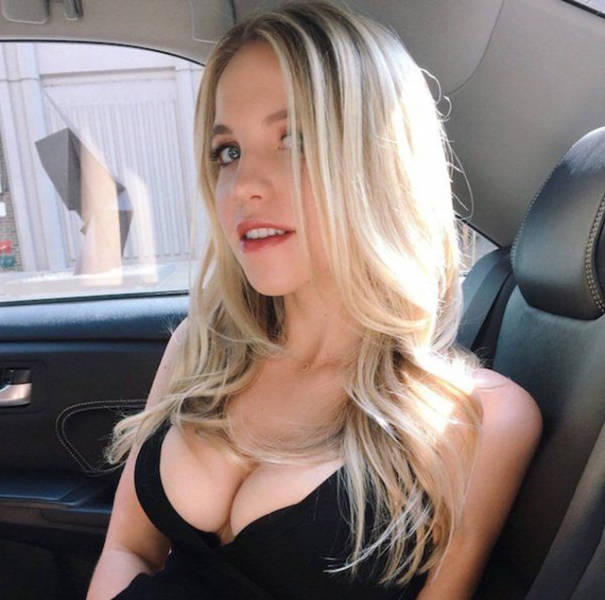 If Busty And Beautiful Is How You Like Your Women You're Going To Love These Pics (47 pics)