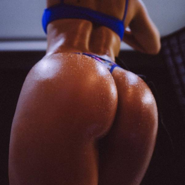 Get Ready To Enjoy A Healthy Dose Of Great Butts Attached To Gorgeous Girls (56 pics)