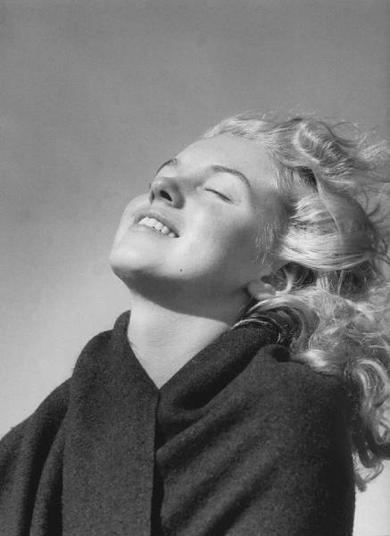 Vintage Photos Reveal A Young Marilyn Monroe At 20 Years Old (19 pics)