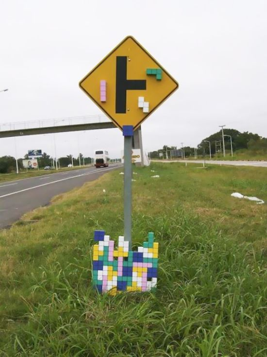 Random And Ridiculous Acts Of Vandalism That Are Borderline Genius (40 pics)