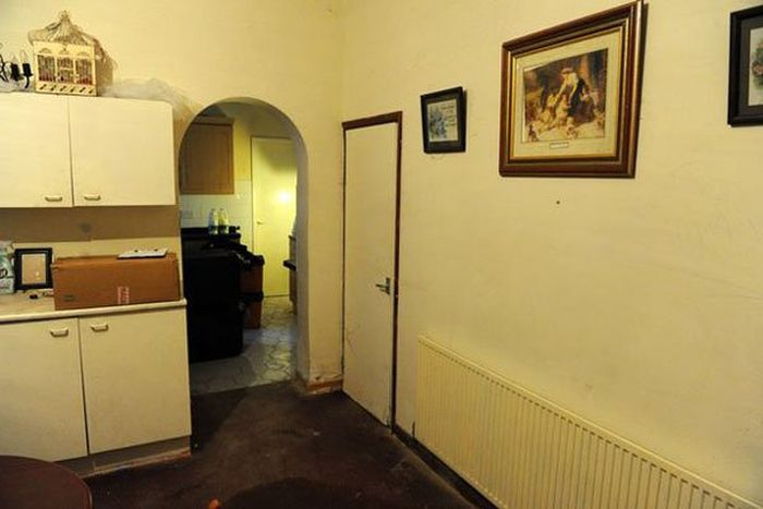 No One Can Survive In The UK's Most Haunted House (8 pics)