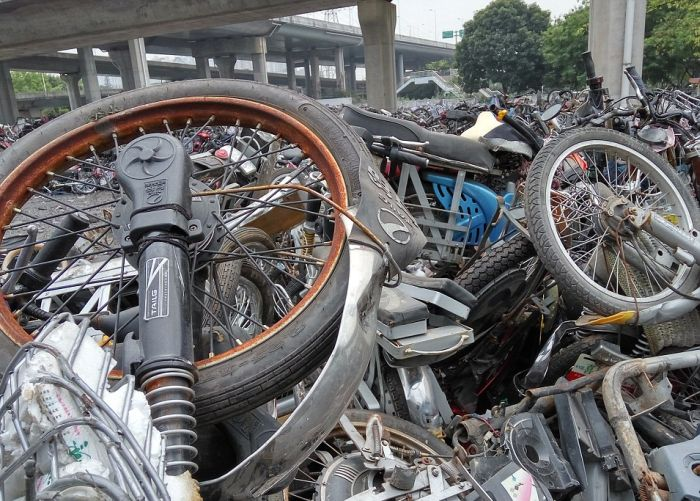 Police In South China Have Created A Motorcycle Graveyard (5 pics)