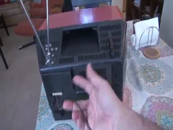 Quick Demo Version 1978 Portable Television Converted To Internet Music Video Steaming Smart TV