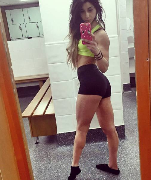 Formerly Anorexic Girl Turns Herself Into A Bodybuilder (26 pics)