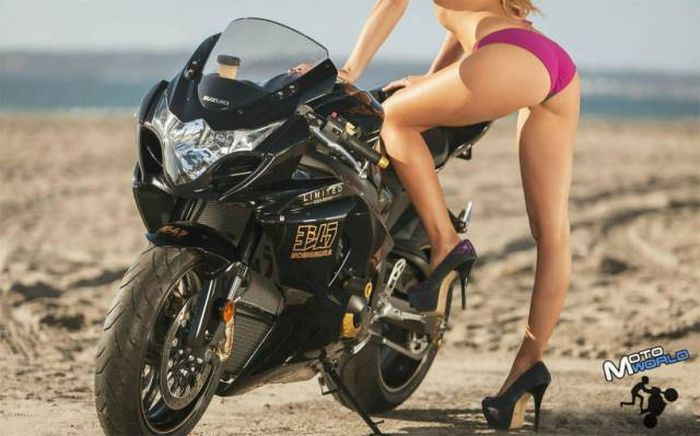 Sexy Girls And Motorcycles Are A Perfect Combination (50 pics)
