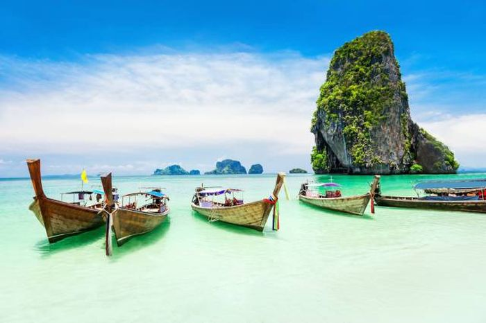 Gorgeous Travel Destinations That Are Surprisingly Cheap To Visit (19 pics)