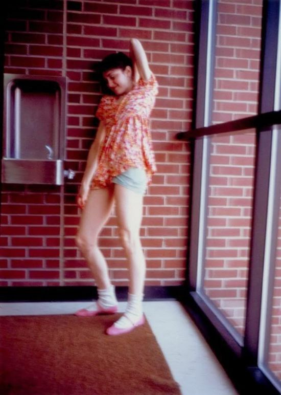 Rare Pictures Show A Young Madonna Striking A Pose (9 pics)