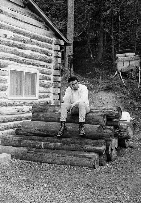 Never Before Seen Pictures Of Muhammad Ali Training For The Rumble In The Jungle (20 pics)