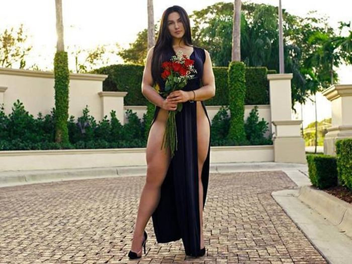 This Fitness Model Has Legs Like Chun-Li From Street Fighter (21 pics)