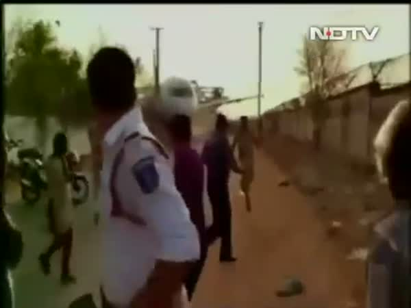Hyderabad Watches A Plane Fall Onto A Building While Being Moved