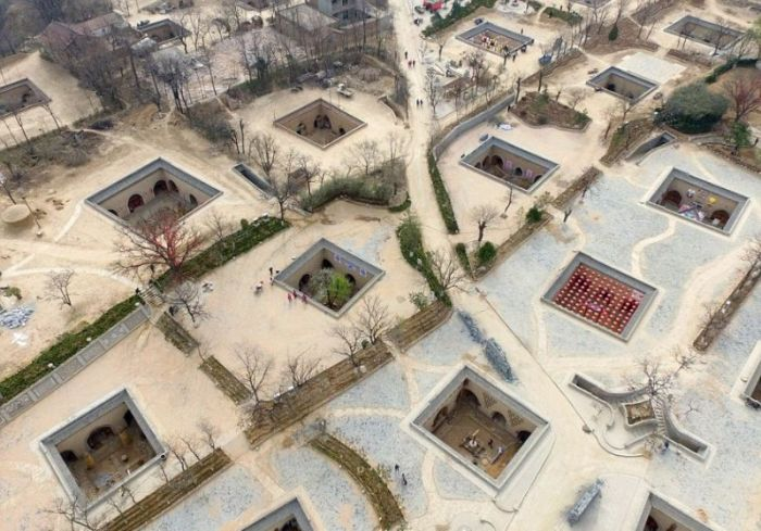Chinese Residents Build Homes In An Interesting Place (9 pics)