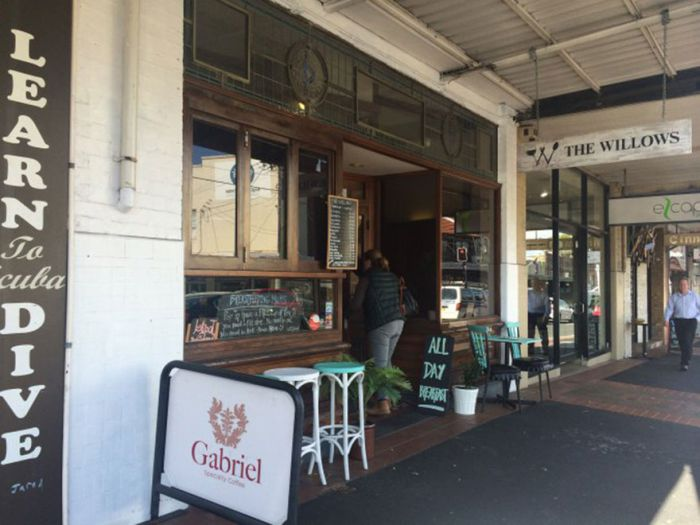 Breastfeeding Moms Get Free Tea At This Cafe (2 pics)