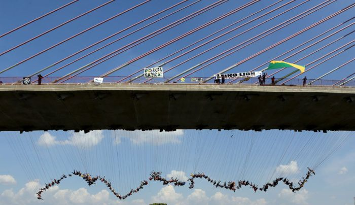 Rope Jumping Group Sets New World Record In Brazil (8 pics)