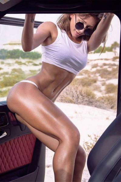 Sporty Girls That Like To Break A Sexy Sweat When They Hit The Gym (65 pics)