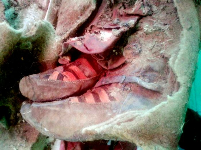 Time Traveling Mummy Discovered Wearing Adidas Boots (6 pics)
