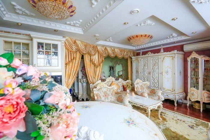 Tiny Apartment Gets Turned Into A Royal Palace (13 pics)