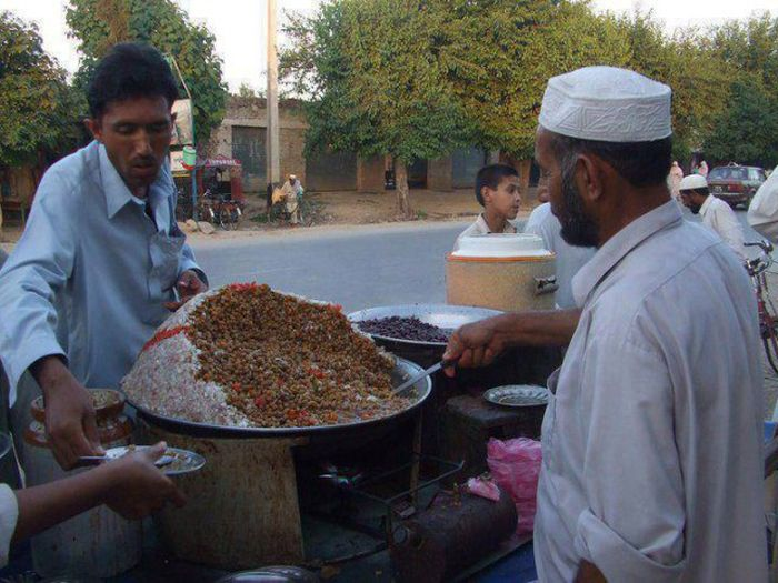An Honest Look At Daily Life In Pakistan (32 pics)