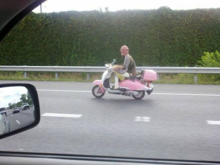 Crazy People Who Have No Business Riding Motorcycles (77 pics)