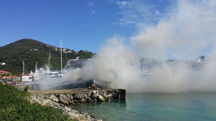 Beautiful Yacht Goes Down In Flames In The Virgin Islands (17 pics)