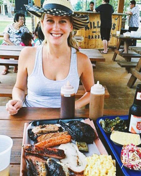 These Hot Girls With BBQ Will Make You Happy And Hungry (52 pics)