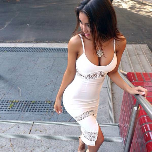 You Won't Be Able To Take Your Eyes Off Of These Sexy Ladies In Tight Dresses (53 pics)