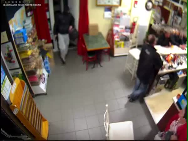 Woman Chased The Robber