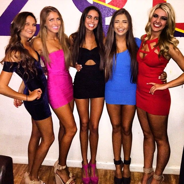 Sexy College Girls Teach The Best Kind Of Lessons (40 pics)