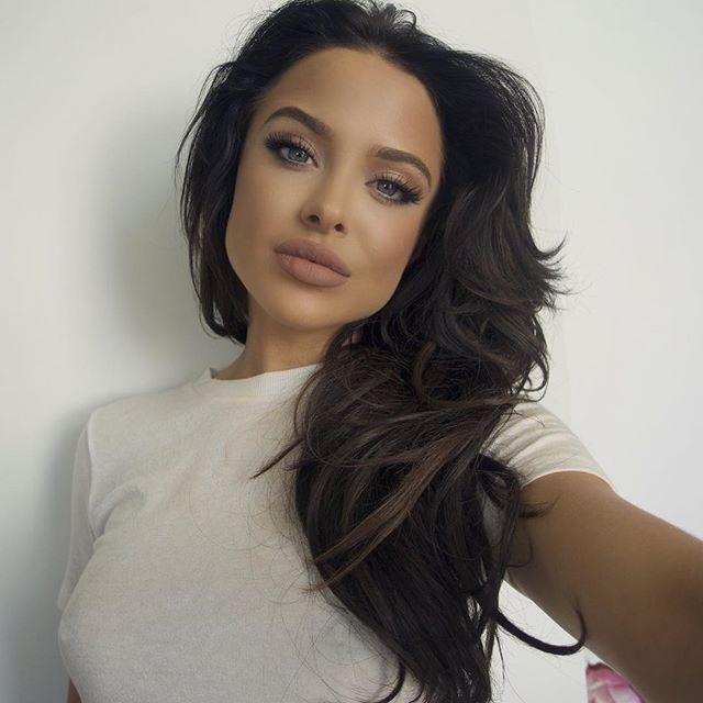 People Can't Stop Talking About How Much Mara Teigen Looks Like Angelina Jolie (15 фото)