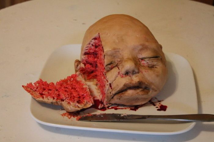 Terrifying Cakes That Are Both Impressive And Disturbing (11 pics)
