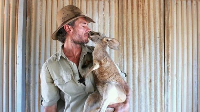 Find Out Why This Man Is Known As Kangaroo Dundee (20 pics)