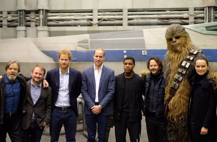 Princes William And Prince Harry Visit The Set Of Star Wars: Episode VIII (8 pics)
